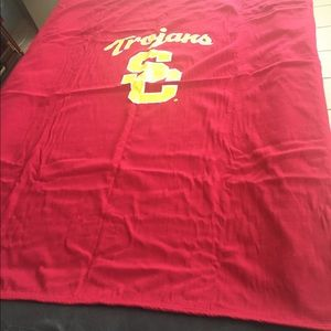 USC blanket. Like new condition.